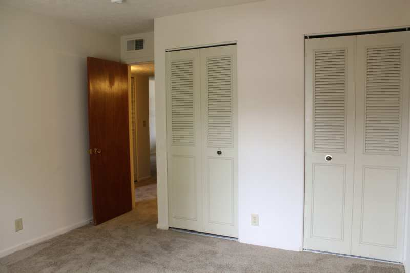 Del.rio.2bedroom.apartment.bedroom.closet