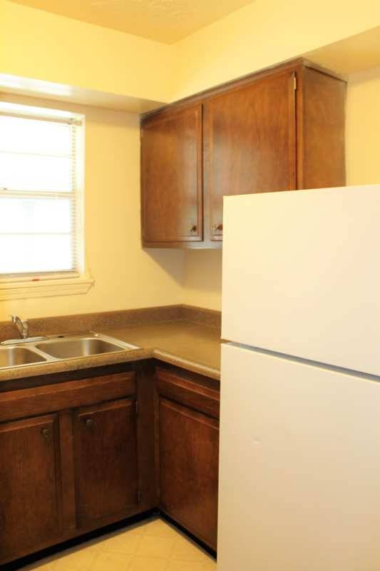 Del.rio.2bedroom.apartment.refrigerator