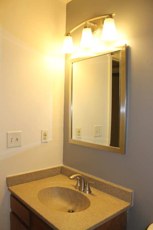 Highgate.hikes.apartment.2bedroom.renovated.bathroom