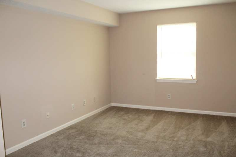 Highgate.hikes.apartment.2bedroom.renovated.bedroom.light