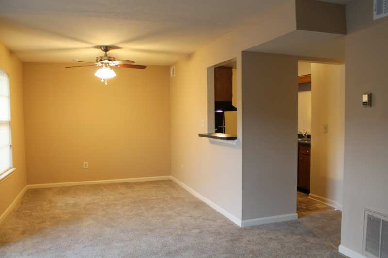 Highgate.hikes.apartment.2bedroom.renovated.dining
