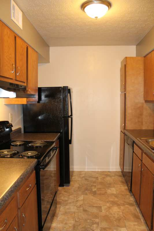Highgate.hikes.apartment.2bedroom.renovated.kitchen.storage