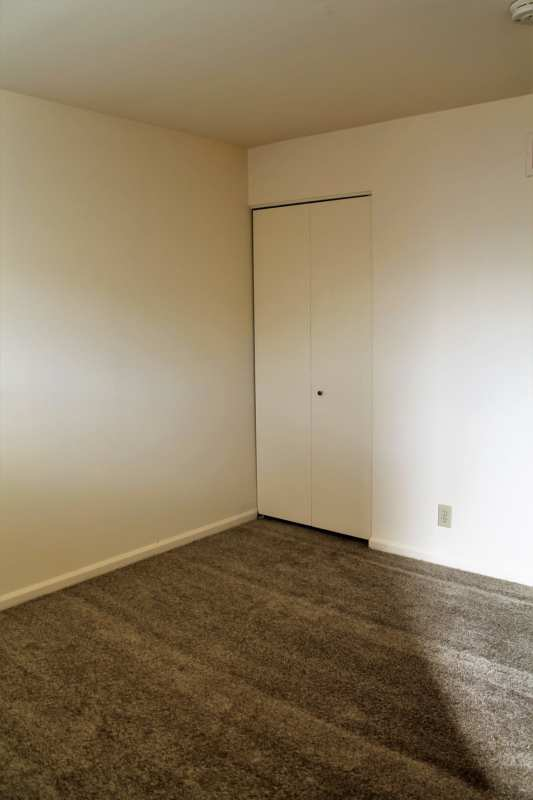 Highlands.midland.40204.apartment.bedroom.closet