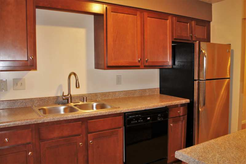 Highlands.st.francis.apartment.renovated.kitchen.dishwasher