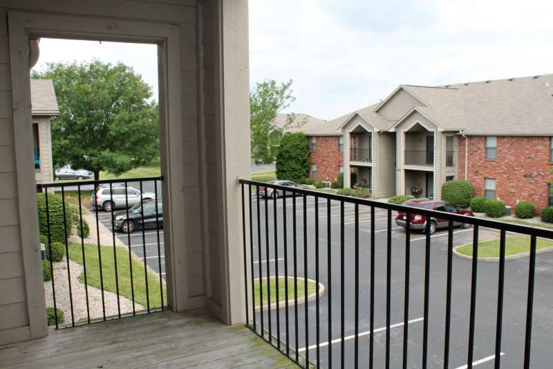Hurstbourne.crossing.apartment.patio